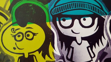 Zwei Comicfiguren auf grünem und blauem Hintergrund