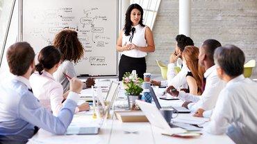 Frau Vorstand Führungsposition Management Frauenquote Team